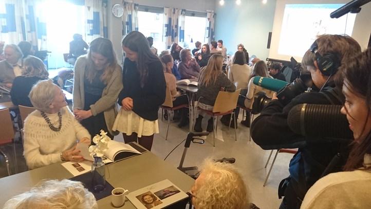 Eldre på Vålerenga Bo- og servicesenter og elever fra F21